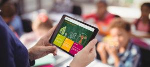 Webseite des Medienportals auf einem Tablet